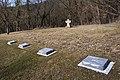 Einzelgraeber und Gedenkstein Kilianstollen 01 15.jpg