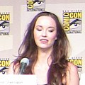 Elyse Levesque on Stargate Universe Panel Comic Con 2009 .jpg