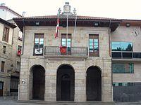 Escoriaza - Plaza Fernando Eskoriatza y Ayuntamiento 01.JPG