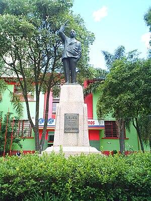 Nereu Ramos - Image: Estátua Nereu Ramos