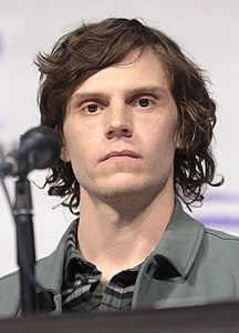 Evan Peters by Gage Skidmore 3.jpg