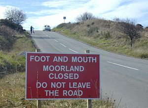 2001 United Kingdom foot-and-mouth outbreak - Notice telling people to keep off the North York Moors.