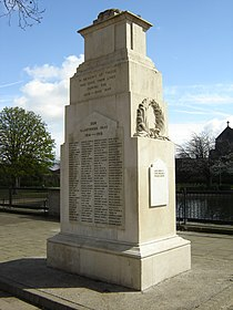 Feltham war memorial 2.JPG