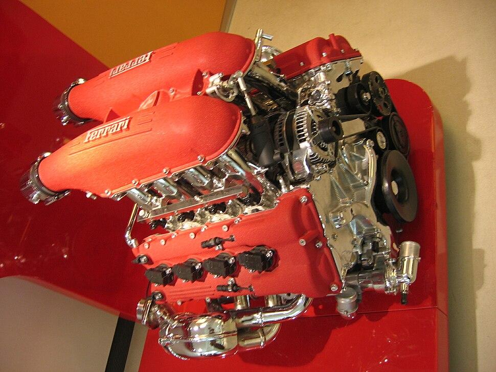 V8 engine - Howling Pixel