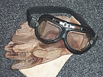 Flying goggles, leather gloves, shawl 02.jpg