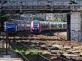 Francilien et VB2N en sortie de gare d'Argenteuil.jpg