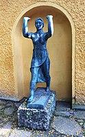 Frauenfigur in Bronze Borstei München.jpg