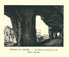 G.-L. Arlaud-recueil Vals Saint Jean-Défilé de Ruoms, les piliers.jpg