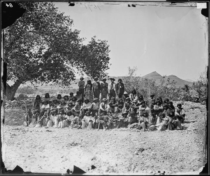 File:GROUP OF PAH-UTE INDIANS, NEVADA, COTTONWOOD SPRINGS - NARA - 524187.tif
