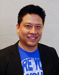 Garrett Wang at FedCon 2013.jpg
