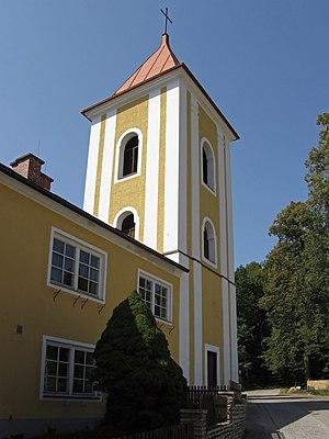 Glockenturm_in_Rosenau_Schloss.jpg