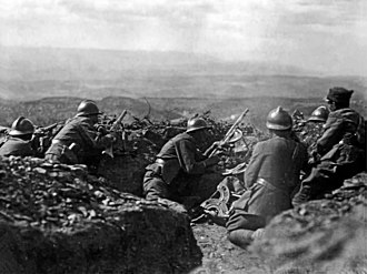Adrian helmet - Greek soldiers wear Adrian helmets at Afyonkarahisar, 1922, Greco-Turkish War (1919–1922)