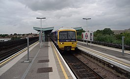 Greenford station MMB 02 165134.jpg