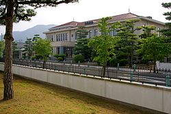 Gunze head quarters01s3200.jpg