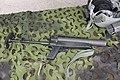 HK69A1 40 kranaattipistooli 2002 Lippujuhlan päivä 2014.JPG