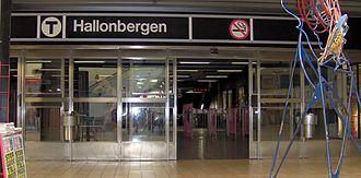 Hallonbergen metro station - Image: Hallonbergens tunnelbanestation, ingång och spärrar