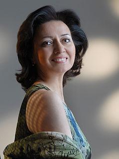 Hasmik Papian singer