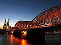 Hohenzollernbrücke mit Dom.jpg