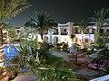 Hotel Dive Inn večer - panoramio.jpg