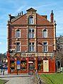 Hyde Park Corner, Leeds (5523792227).jpg