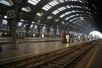 IMG 3037 Binari Stazione centrale di Milano - Foto Giovanni Dall'Orto 1-1-2007.jpg
