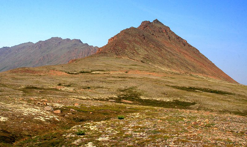 File:I think this is the backside of McHugh Peak from Rabbit Lake (3850621009).jpg