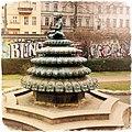 Indischer Brunnen am Engelbecken in Berlin-Kreuzberg.jpg