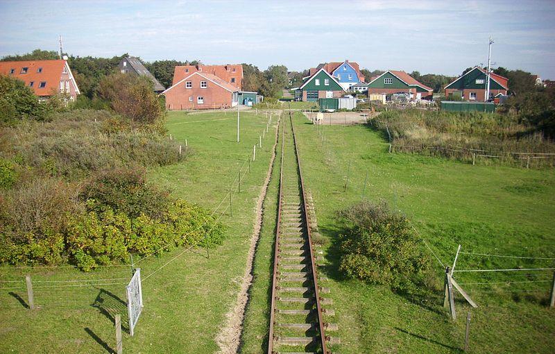 File:Inselbahn Spiekeroog (1).JPG