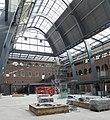 Interieur binnenplaats, overzicht van de binnenplaats tijdens de aanleg van de overkapping, werkzaamheden i.v.m. herbestemming - Apeldoorn - 20533419 - RCE.jpg