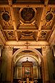 Interno della chiesa della Santa Maria della Consolazione a Milano, Italia, con il soffitto a cassettoni e la pala d'altare del Procaccini.jpg