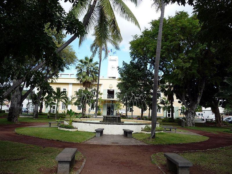 File jardin de la mairie de saint paul 3858269883 jpg wikimedia commons - Castorama jardin bordure saint paul ...