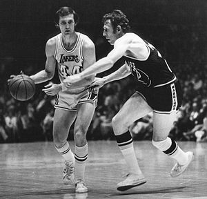 Jeff Mullins (basketball) - Mullins (right) guarding Jerry West in 1971