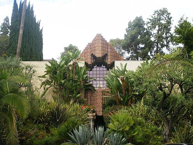 Dahlia Avenue Los Angeles Ca  Bed  Bath
