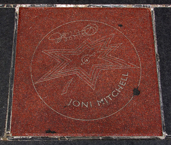 Ficheiro:Joni Mitchell Star on Canada's Walk of Fame.jpg