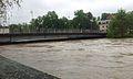 Juni-Hochwasser Kempten 2013 St. Mangbrücke.jpg