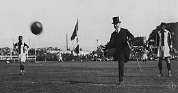 Kick off south american 1927.jpg