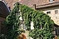 Kloster Maulbronn Fassade mit Blattwerk - panoramio.jpg