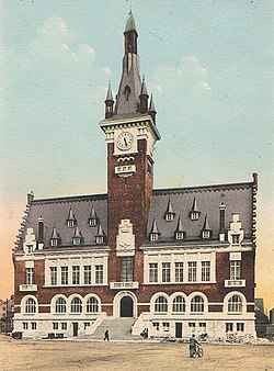 L'Hôtel-de-ville d'Albert ( Somme), oeuvre d'Alexandre Miniac et Maneval..jpg