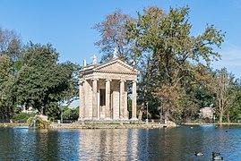 Laghetto and Tempio di Esculapio in Villa Borghese 05.jpg