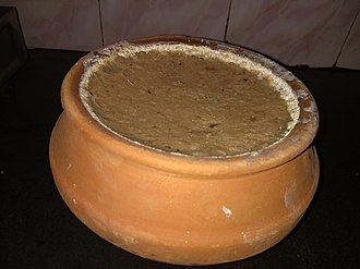 Nabadwip-er lal doi - Famous red curd of Nabadwip kept in clay pipkin (Bengali:মাটির হাঁড়ি)