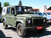 Land Rover Defender 110 2011 (14881763062).jpg