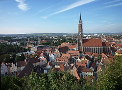 Landshut - Kirche St. Martin 14-15. Jh. Sicht von der Burg.jpg