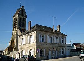 The town hall and church of Largny-sur-Automne