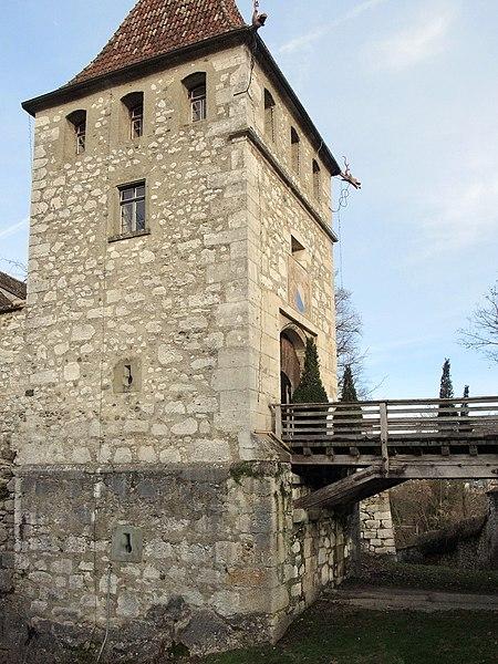 File:Laufen-Uhwiesen - Schloss 2013-01-31 15-19-01 (P7700).JPG