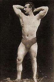 Launceston Elliot, winner of the one-armed weightlifting event, was popular with the Greek audience, who found him very handsome.