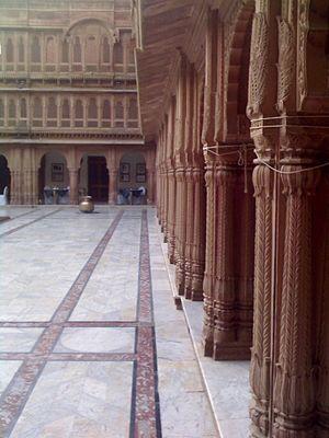 Laxmi Niwas Palace - Pillars of the Laxmi Niwas Palace