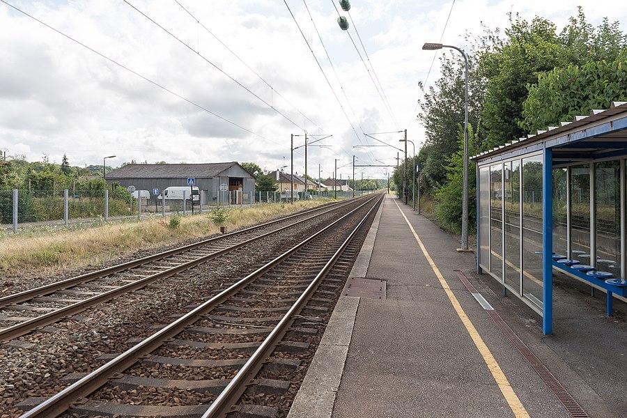 Train station of Le Genest-Saint-Isle.