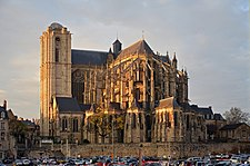 Le Mans - Cathedrale St Julien ext autumn.jpg