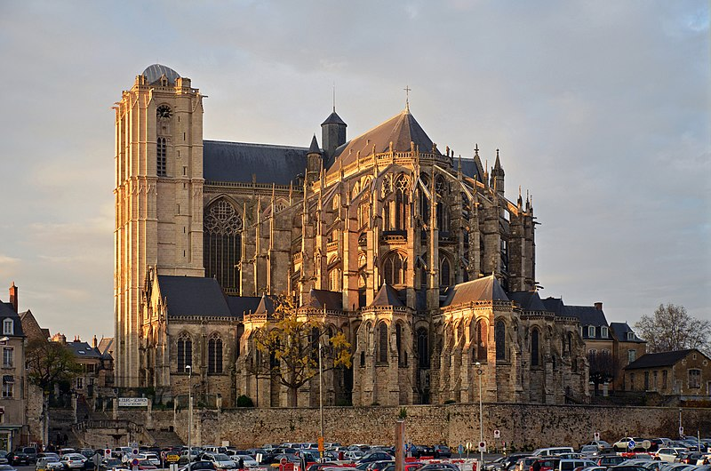 Dosiero:Le Mans - Cathedrale St Julien ext autumn.jpg