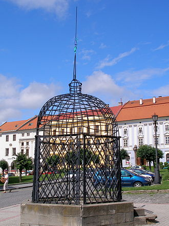 "Levoča - ""Cage of Shame"", punishment cage outside the old Town Hall"
